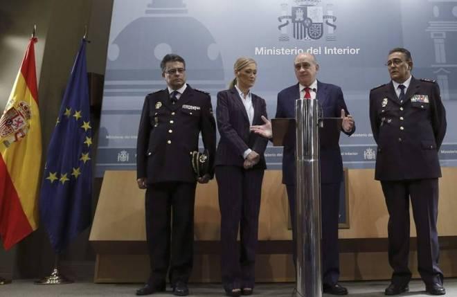 Un momento de la rueda de prensa ofrecida en el Ministerio del Interior tras la captura del supuesto pederasta de Madrid