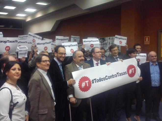 Imagen obtenida en Twitter del acto que cerró la campaña #T en el Colegio de Abogados de Madrid